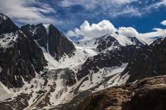 Schöne Ansicht von Berge gestalten in Altai-Bergen landschaftlich Lizenzfreie Stockbilder