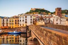 Schöne Ansicht von Bosa-Stadt, Sardinien-Insel, Italien lizenzfreies stockfoto