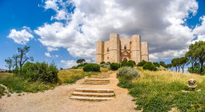 Schöne Ansicht von Castel del Monte, das berühmte Schloss errichtet in a Stockbild