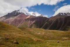 Schöne Ansicht von Pamir-Bergen Lizenzfreies Stockfoto