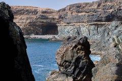 Schöne Ansichten des Ufers Cuevas de Ajuy in Fuerteventura lizenzfreies stockfoto