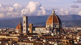 Schöne Ansichten von Florenz und von Kathedrale Santa Maria del Fiore, Abend, Florenz, Italien Wolken, Zeitversehen abend stock footage