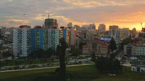 Schöne Architektur in Batumi-Stadt, in der Besichtigung und im Tourismus, goldene Stunde stock footage