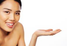 Schöne asiatische Frau mit ihrer Palme heraus stockfoto