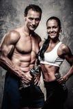 Schöne athletische Paare Lizenzfreie Stockfotografie