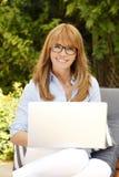 Schöne attraktive Dame Lizenzfreie Stockfotos