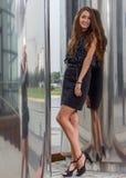 Schöne Aufstellung der jungen Frau Lizenzfreies Stockfoto