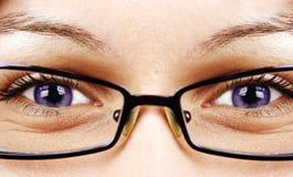 Schöne Augen und Gläser Stockfotografie