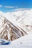 Schöne Berge im Schnee Stockfotos