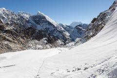 Schöne Berglandschaft auf den drei Durchläufen Lizenzfreie Stockfotos