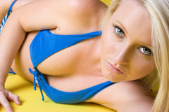 Schöne Bikini-Frau Stockbilder