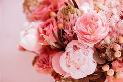 Schöne blühende Blumen stockfotos