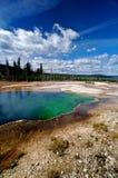 Schöne blaue Yellowstone-heiße Frühlinge Lizenzfreie Stockfotos