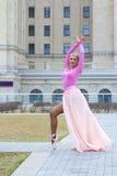 Schöne blonde Ballerinaaufstellung Lizenzfreies Stockbild