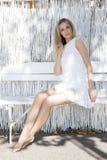 Schöne blonde Frau auf dem Strand Lizenzfreies Stockbild