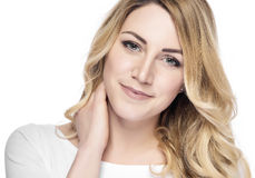 Schöne blonde Frau getrennt auf Weiß Lizenzfreies Stockfoto