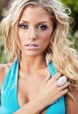 Schöne blonde Frau im Bikini Lizenzfreie Stockfotos