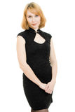 Schöne blonde Frau im schwarzen Kleid Lizenzfreie Stockbilder