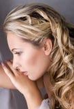 Schöne blonde Frau mit dem langen Haar Lizenzfreie Stockfotos