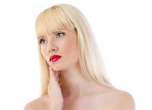 Schöne blonde Frau mit den roten Lippen Stockbilder