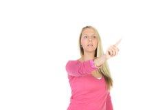 schöne blonde Frau vor Sichttouch Screen Lizenzfreies Stockbild