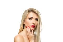 Schöne blonde Frauen-Porträtnahaufnahme frisur Rote Lippen MA Stockbild