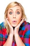 Schöne blonde Frauen-Vertretungs-Überraschung Lizenzfreie Stockfotografie