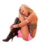Schöne blonde Frauenaufstellung getrennt Lizenzfreie Stockbilder