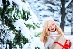 Schöne blonde kaukasische Frau Stockbild