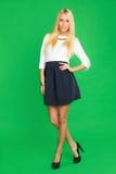 Schöne Blondine in einem Kleid Lizenzfreies Stockfoto
