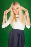 Schöne Blondine in einem Kleid Lizenzfreies Stockbild