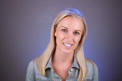 Schöne Blondine, Headshot (2) Stockbilder