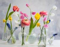 Schöne Blumenblumensträuße lizenzfreies stockbild