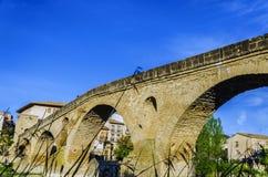 Schöne Brücke im Dorf Lizenzfreie Stockbilder
