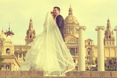 Schöne Braut und Bräutigam Stockfotos