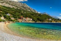 Schöne Bucht und Strand, Brela, Dalmatien-Region, Kroatien, Europa Lizenzfreie Stockbilder