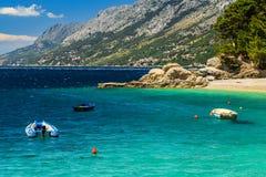Schöne Bucht und Strand, Brela, Dalmatien-Region, Kroatien, Europa Stockfotos