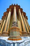 Schöne buddhistische Statue im thailändischen Tempel Lizenzfreie Stockfotografie