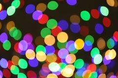 Schöne bunte Lichter auf Dunkelheit Bokeh Effekt lizenzfreies stockfoto