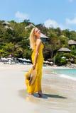 Schöne Dame auf dem Strand Lizenzfreies Stockbild