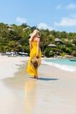Schöne Dame auf dem Strand Stockfoto