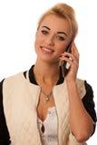 Schöne Dame mit der Handyunterhaltung lokalisiert über Weiß Stockfotografie