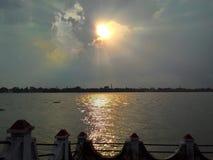 Schöne Dawn On The Bank Of der Ganges Stockfotografie