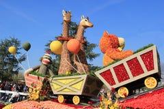 Schöne Dekoration von Flößen in der Beitrags-Parade des Turniers von R Lizenzfreies Stockfoto