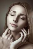 Schöne empfindliche Frau des Vogue-Artzauber-Porträts lizenzfreie stockfotografie