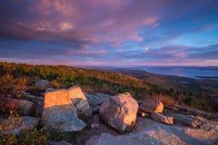 Schöne Fallfarben von Acadia, Maine Lizenzfreie Stockbilder