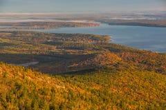Schöne Fallfarben von Acadia, Maine Lizenzfreie Stockfotografie