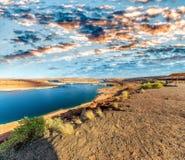 Schöne Farben von See Powell und Glen Canyon Dam, Arizona stockfotos