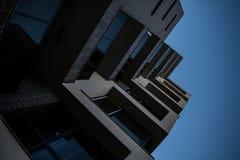 Schöne Fassade eines modernen Gebäudes Lizenzfreies Stockfoto