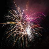 Schöne Feuerwerke nachts Stockbild